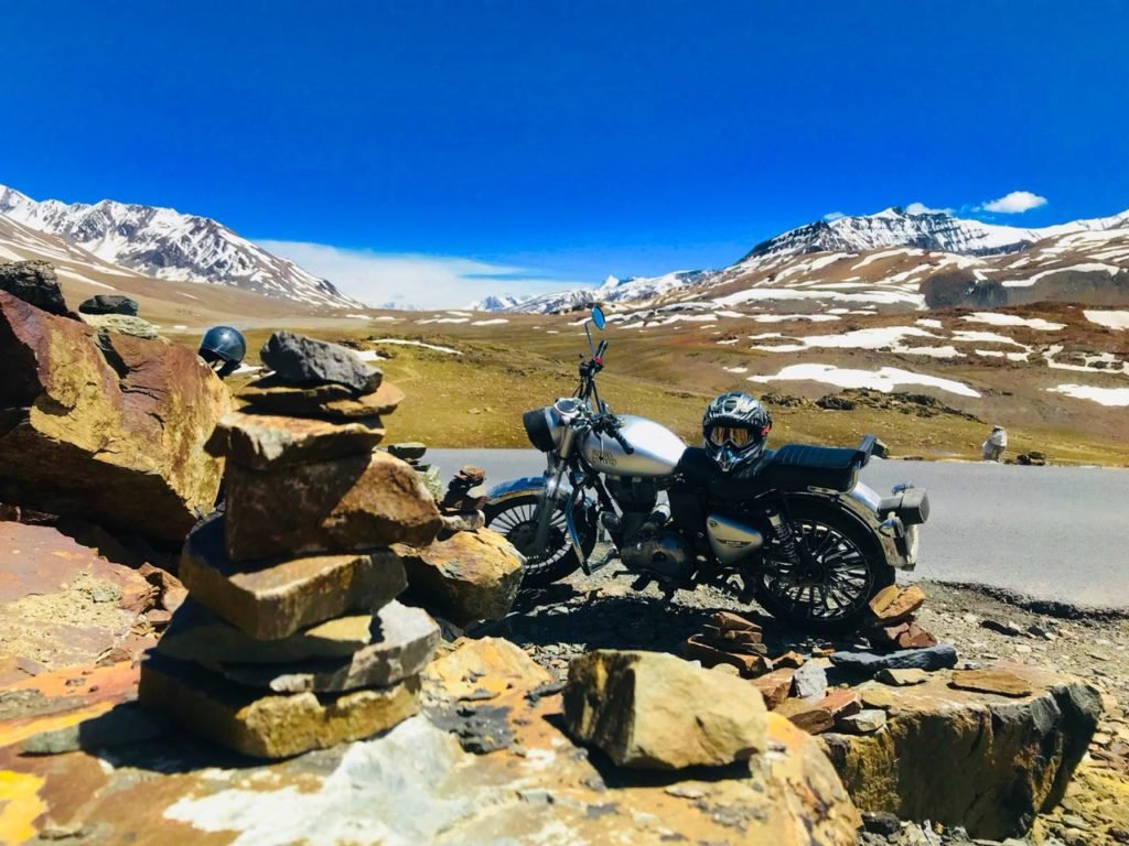 travellency ladakh tour bikes